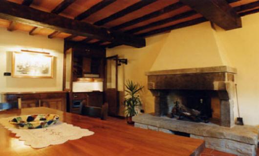 Salotto Antico Con Camino : Gli appartamenti